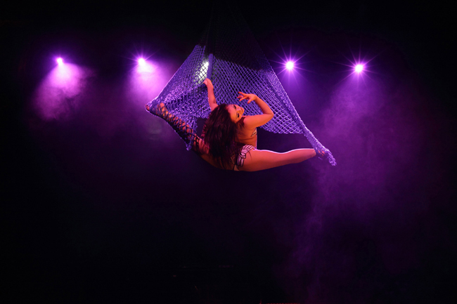 Ksusha Veslovskaya performing with The Circus of Horrors
